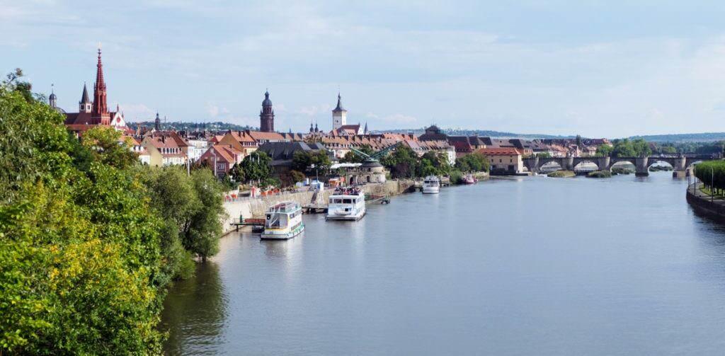 Mainufer Würzburg