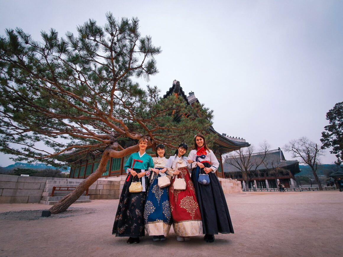 Hanbok im Gyeongbokgung Palast Seoul